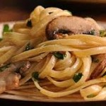 Easy Dinner Recipe: One-Pot Chicken, Mushrooms & Noodles